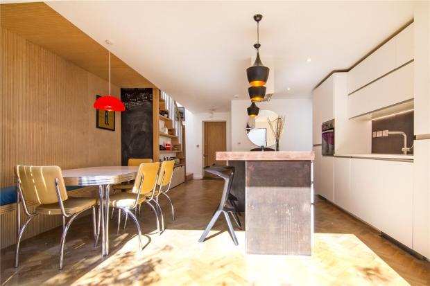 Kitchen-Dining View4