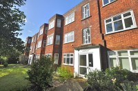 Flat for sale in Glenair Avenue...