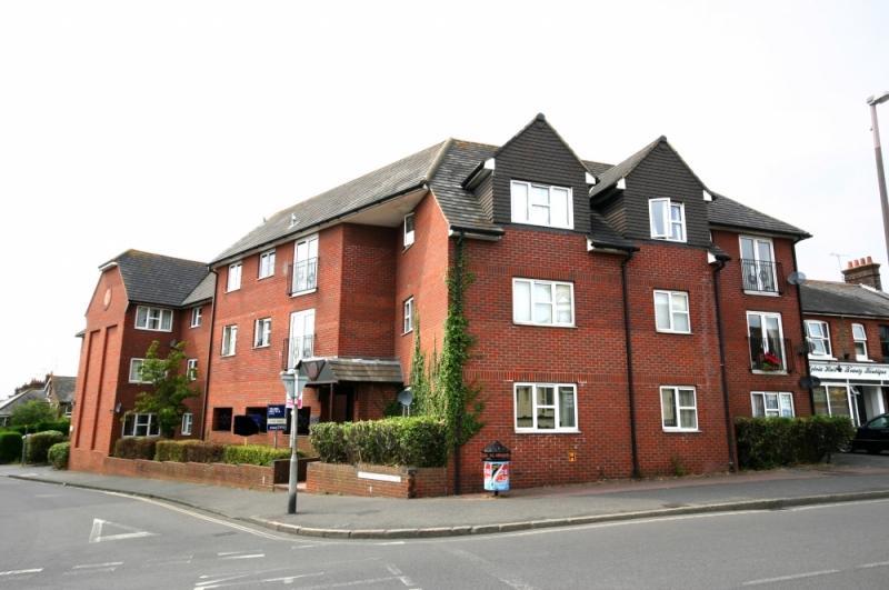 1 Bedroom Flat To Rent In Sussex Court Ashenground Road