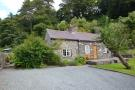4 bed Cottage in Nant Y Felin Road...