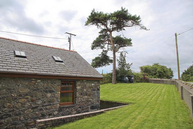 Bwthyn Garden 2