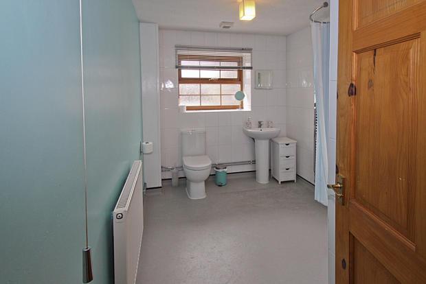 Y Bwthyn Wet Room