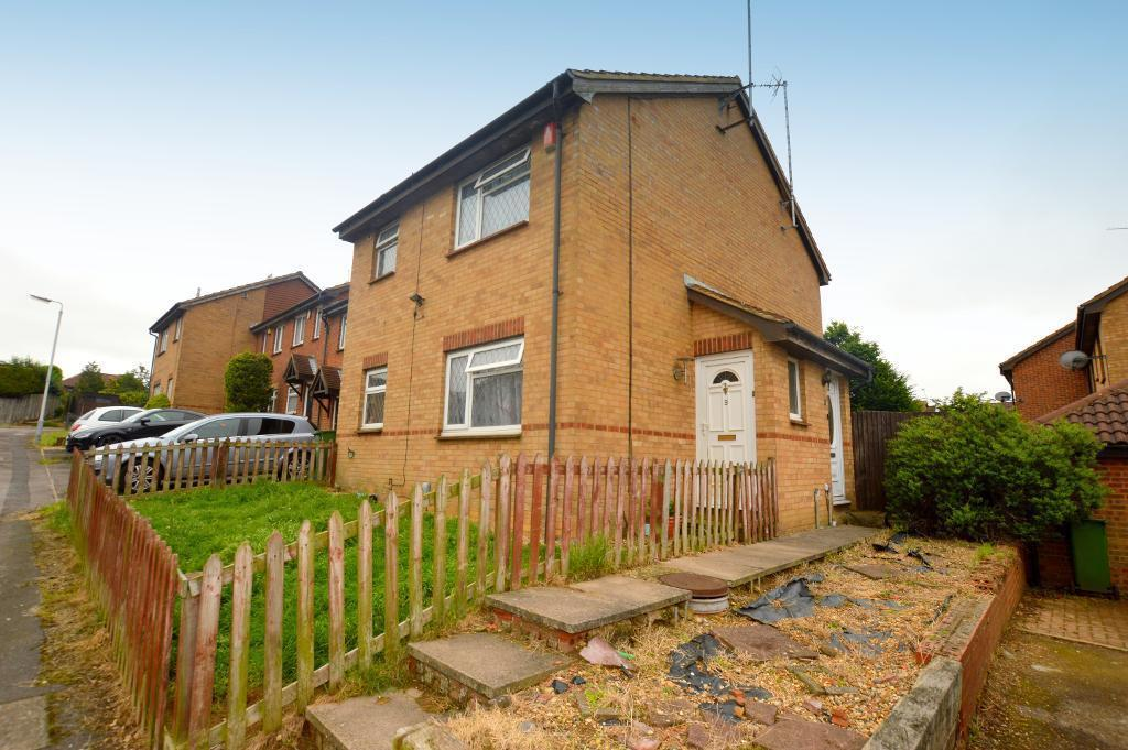 2 bedroom cluster house to rent in gilderdale luton