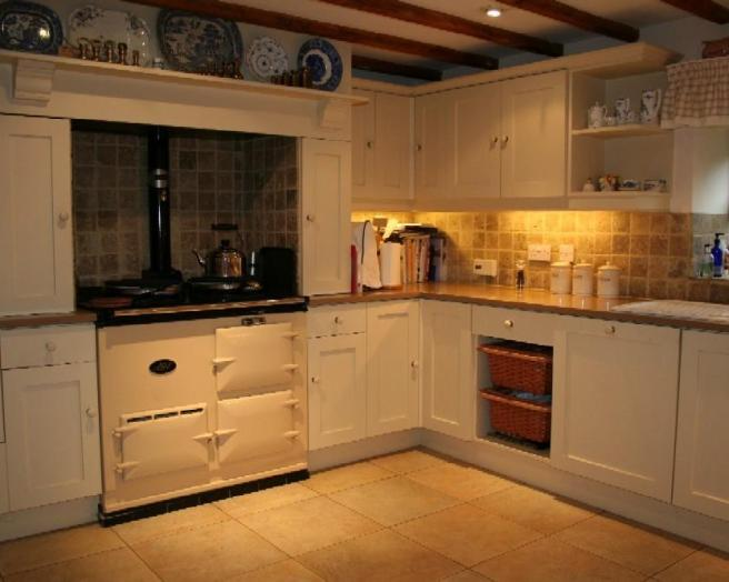 Aga design ideas photos inspiration rightmove home ideas for Brown and orange kitchen ideas