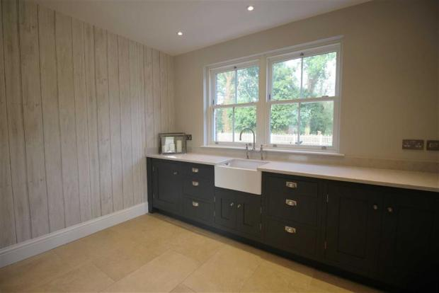 BOOT / UTILITY ROOM