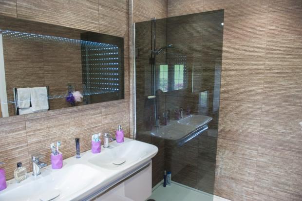 Superior House Shower Room