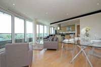 2 bed Apartment in Putney Wharf Tower...