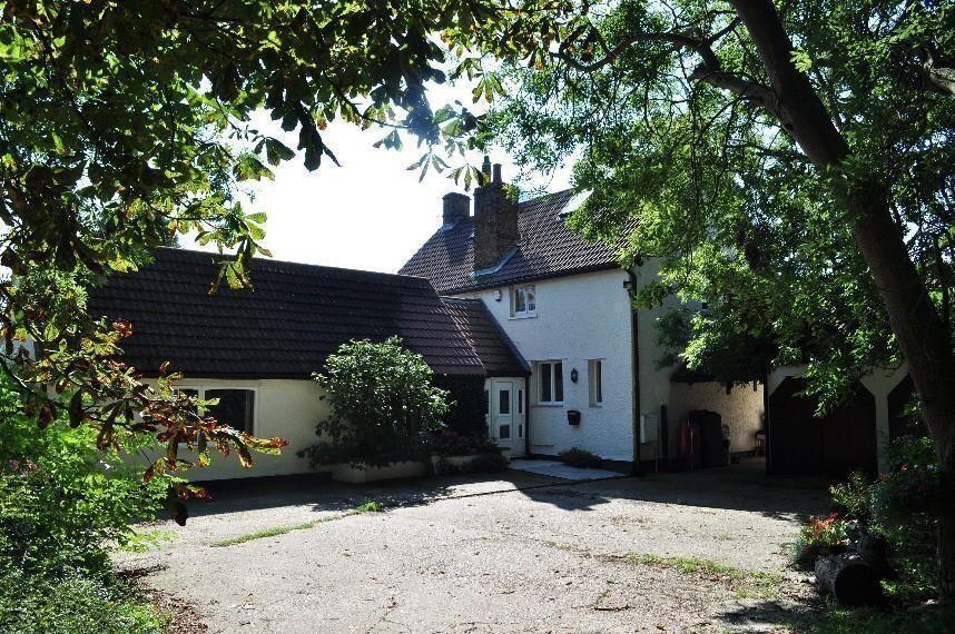 5 Bedroom Cottage For Sale In Walton Road Kirby Le Soken