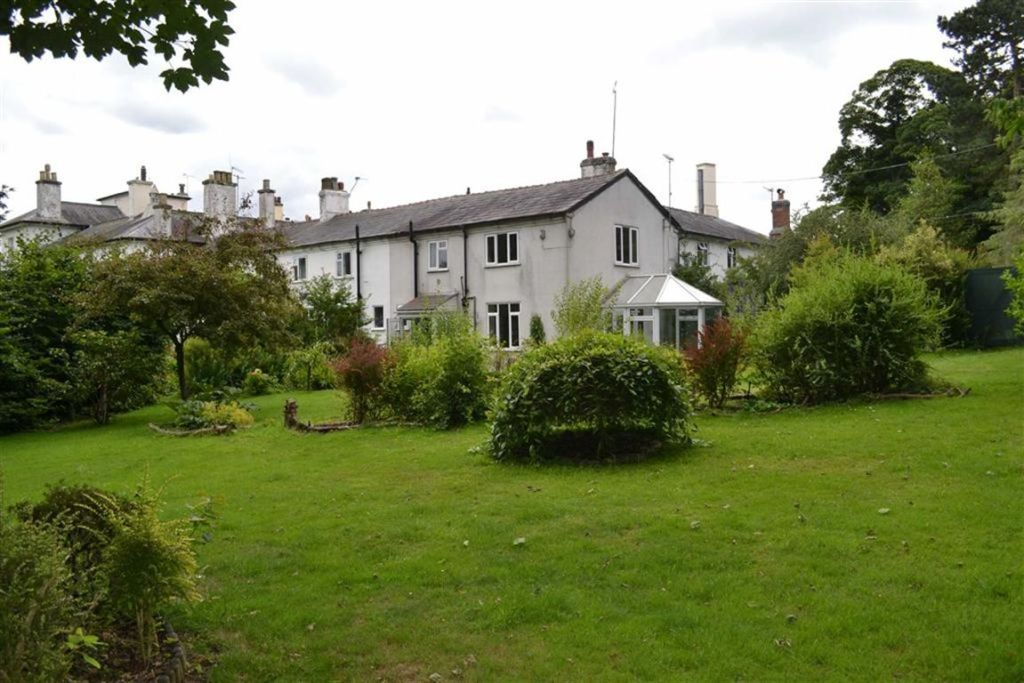 2 Bedroom Cottage For Sale In Madeley Manor Madeley Madeley Cheshire Cw3 Cw3