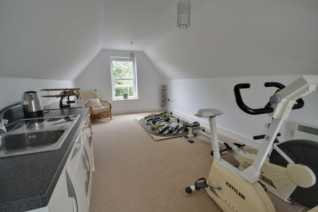 Studio/Bedroom Fi...