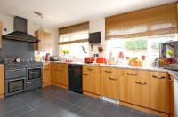 5 bed Detached home in Kingsclere
