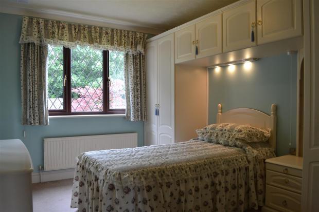 Bedroom/dining room
