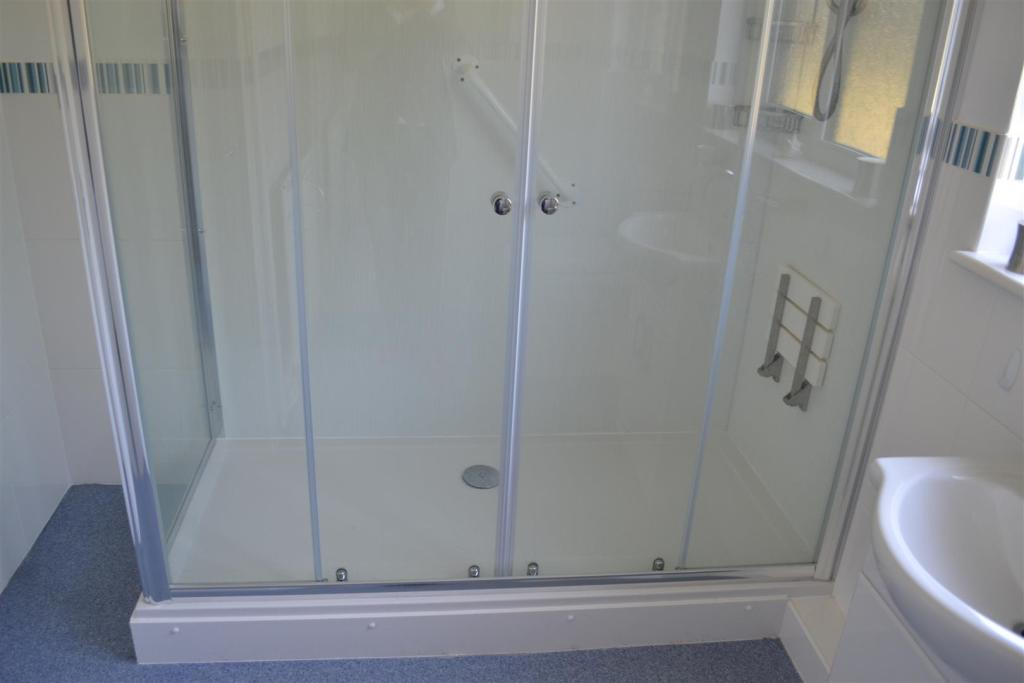 Double shower with s