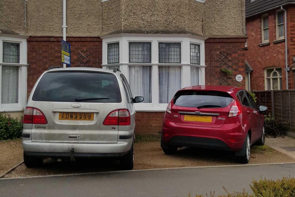 Parking at London Ro