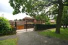5 bedroom Detached house in Stradbroke Drive...