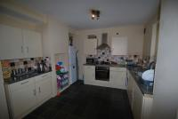 3 bedroom Flat in Rogers Road, London
