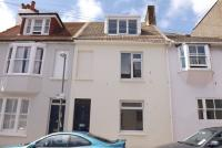 3 bed Terraced house in Guildford Street ...
