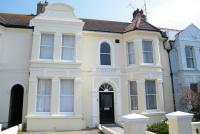 2 bedroom Flat in Sackville Gardens Hove...