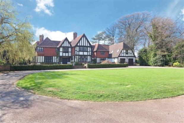 9 bedroom detached house for sale in withdean road