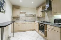2 bedroom Flat in CHRISTOPHER COURT GREAT...