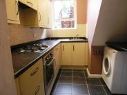2 bedroom Flat in RAVENSHURST AVENUE HENDON