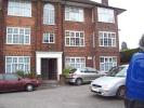 3 bed Flat to rent in Wynash Gardens...