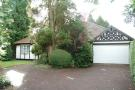 3 bed Detached Bungalow in Worlds End Lane...