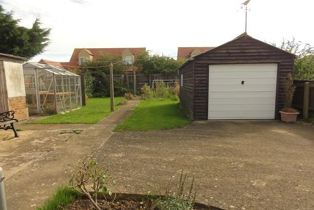 Garage/Rear Garden