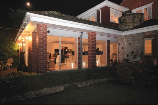 EXTENSION AT NIGHT