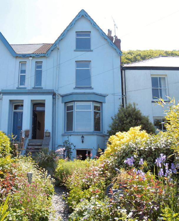 The Gables, The Cliff, Ferryside, Carmarthenshire Photo 1