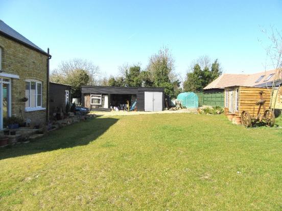 Garden/Garages