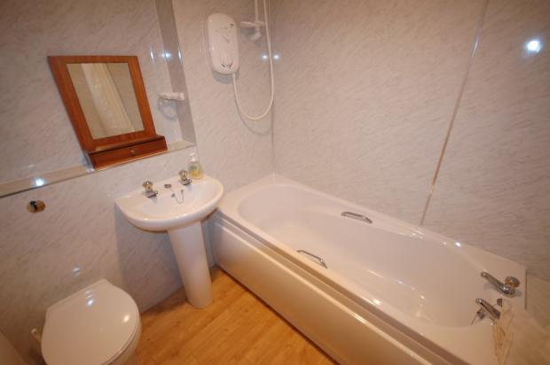 Bathroom to Flat