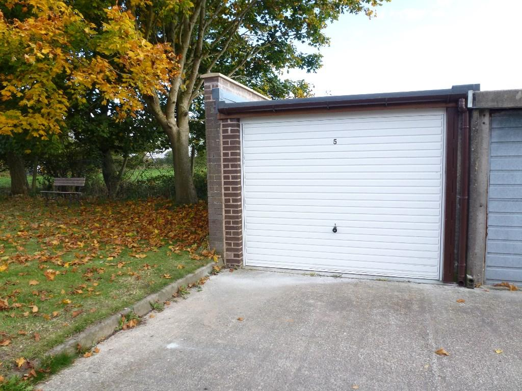 768 #A77C24 Garage For Sale In GARAGE NO. 5 WILLOW ROAD ULNES WALTON PR26 8NP  image Walton Garage Doors 38131024