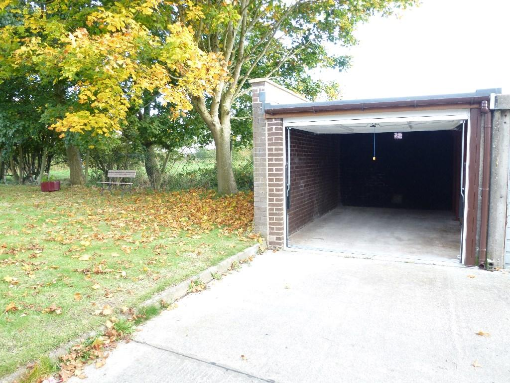 768 #A29829 Garage For Sale In GARAGE NO. 5 WILLOW ROAD ULNES WALTON PR26 8NP  image Walton Garage Doors 38131024