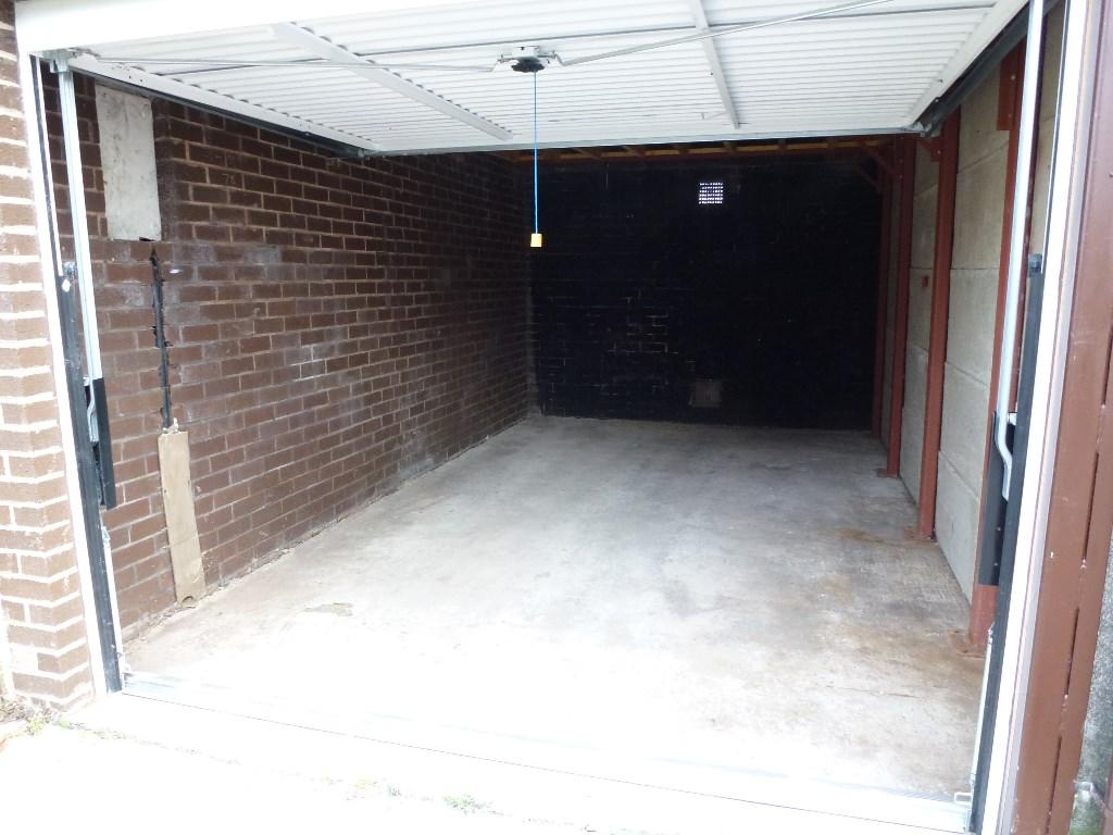 768 #4E5F6F Garage For Sale In GARAGE NO. 5 WILLOW ROAD ULNES WALTON PR26 8NP  image Walton Garage Doors 38131024