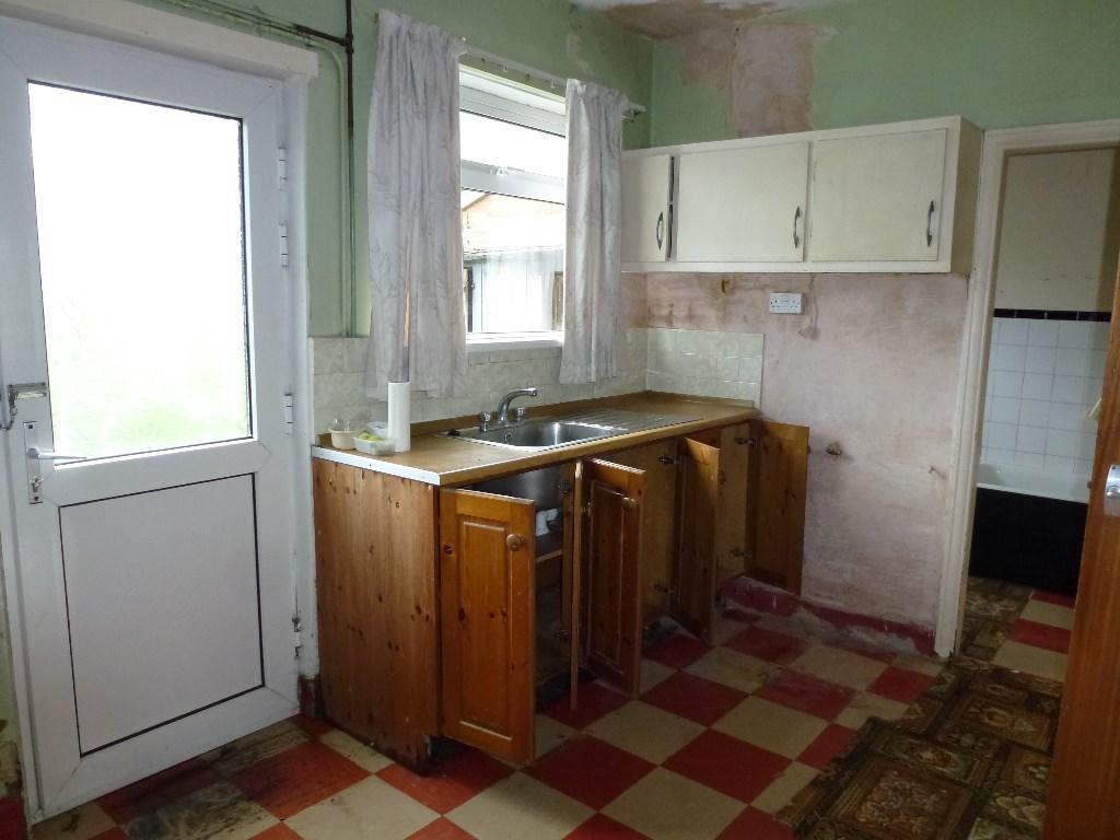 3 Bedroom Semi Detached House For Sale In Mead Avenue Leyland Lancashire Pr25 Pr25