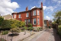 5 bed semi detached property for sale in Heather Hey...