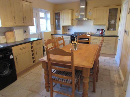 Kitchen Diner View O