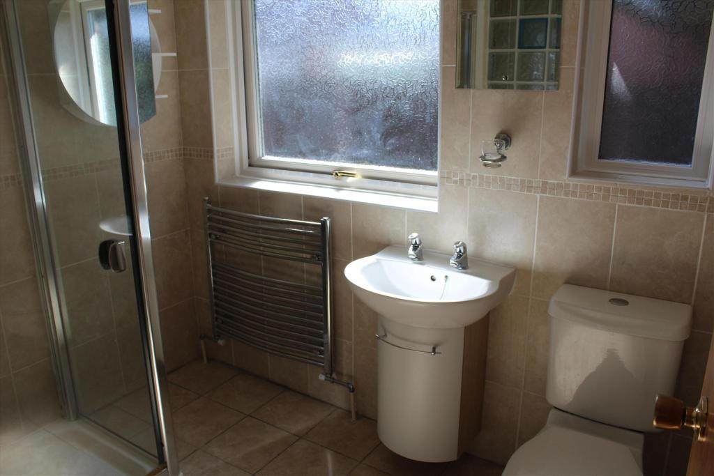 54 Blackpool bathroo