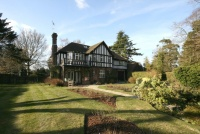 7 bedroom Detached property in Park Avenue North...
