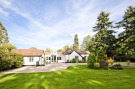 3 bedroom Detached property in Manor Road, Goring, RG8