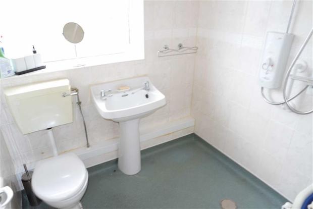 Wet Room / WC: