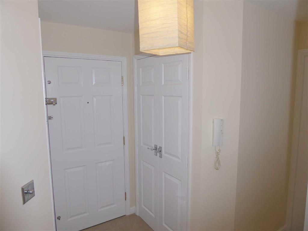 Entrance Hallway: