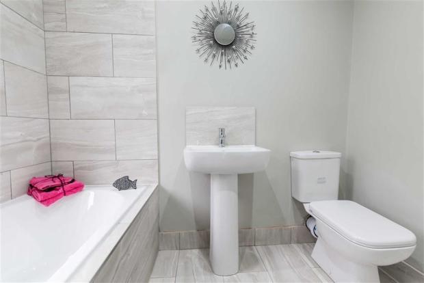 Bathroom / WC: