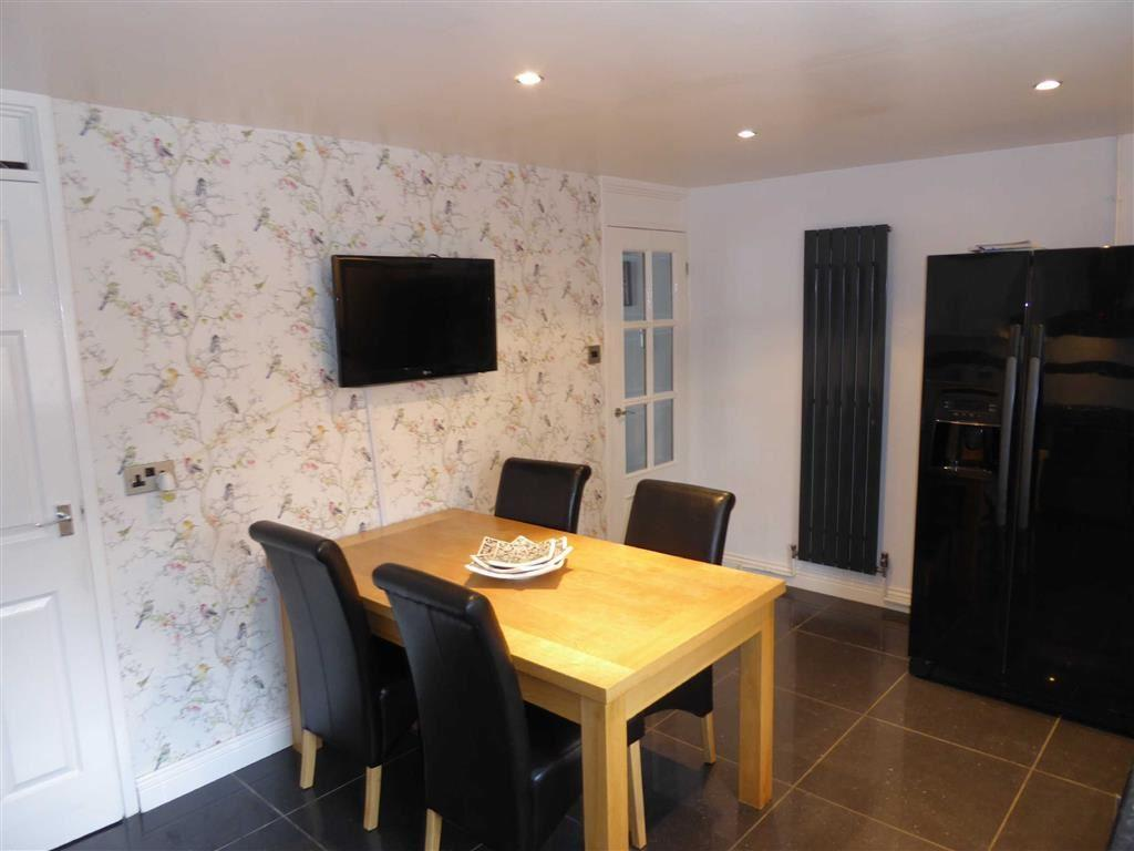 Fully Fitted Dining