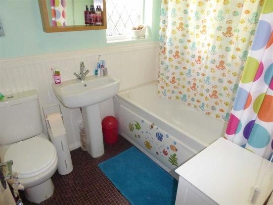 Bathroom / WC: