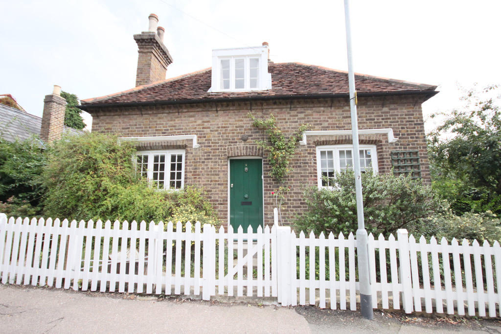 Maidens Bridge Cottage, Bulls  Enfield Image 1