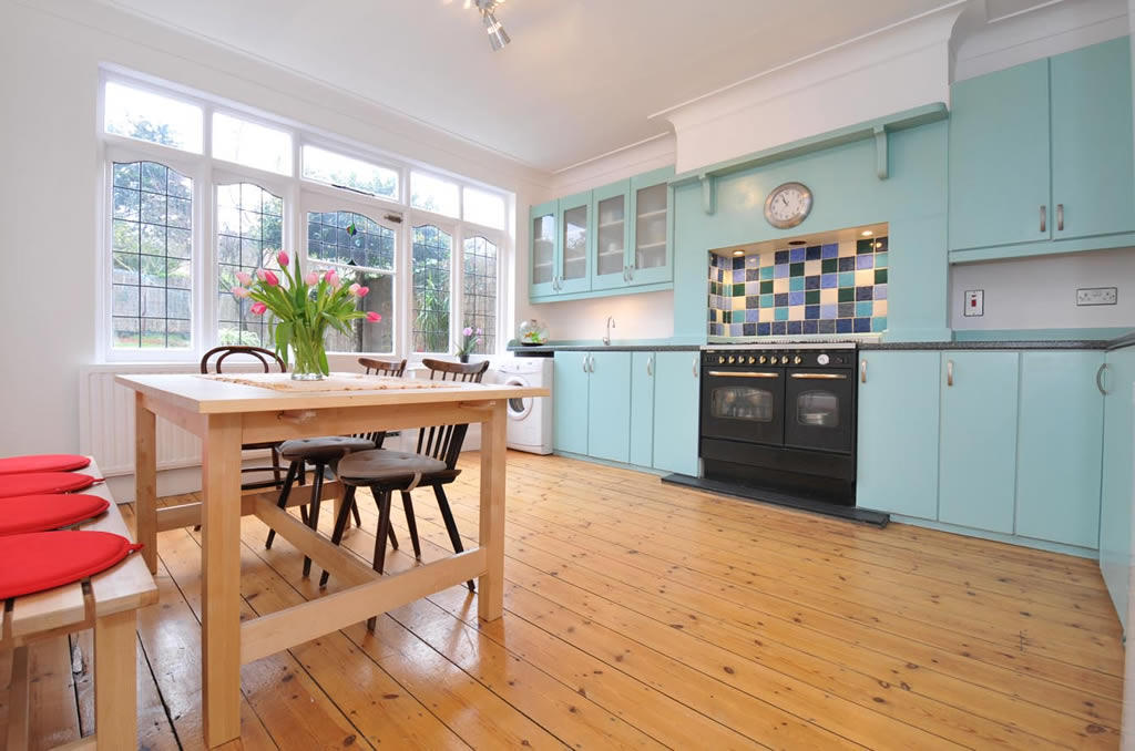 3 bedroom end of terrace house for sale in rokesly avenue n8 for Terrace kitchen diner