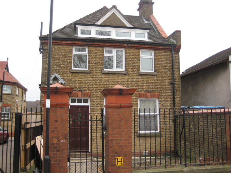 Swansea Road Enfield, Middlesex Image 1