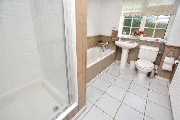 Bath / Shower